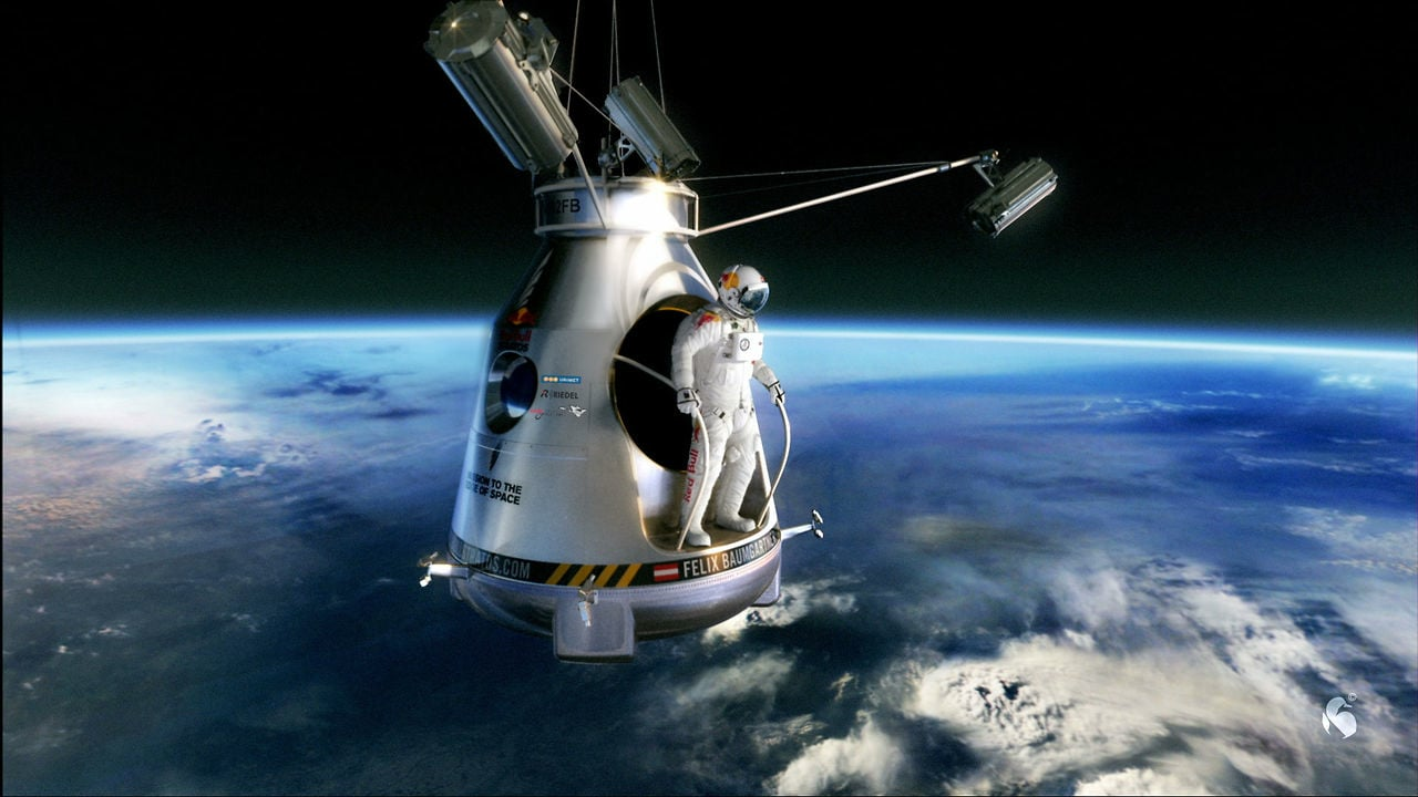 RedBull Stratos – Felix Baumgartner jumps at 120.000 feet